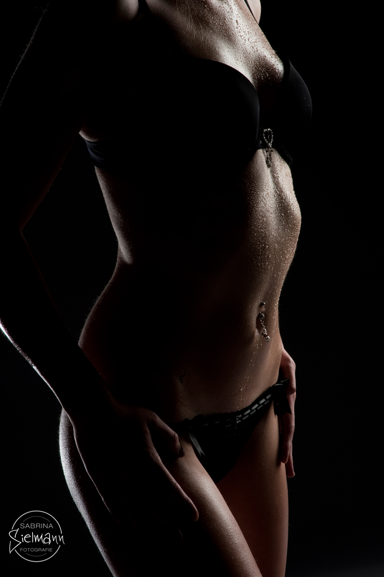 Nackt Und Angezogen Bekleidet Und Ausgezogen